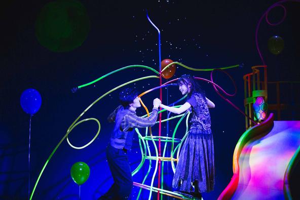 ありふれた一夜が、奇跡の一夜になる 二人芝居の魅力が存分に詰まった舞台『春母夏母秋母冬母』が開幕 (c)撮影:市川唯