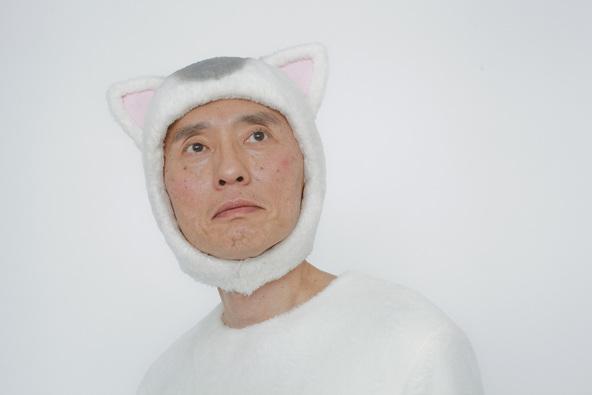 猫村さんを演じる松重豊 (C)テレビ東京