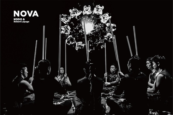 """鼓童×ロベール・ルパージュ〈NOVA〉""""音を見る""""を可能にするテクノロジーと象徴的シーンを初公開 (c)撮影:伊藤大輔"""