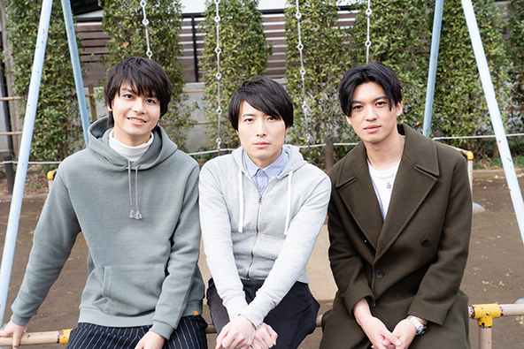 (左から)多和田任益、中屋敷法仁、荒井敦史