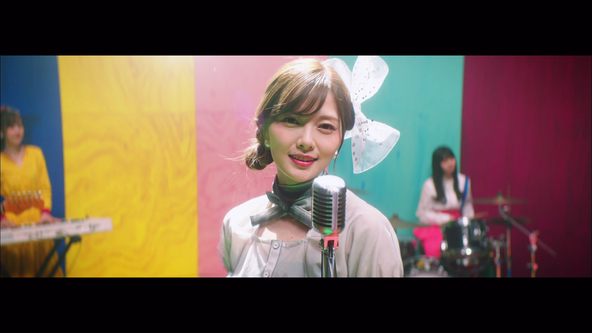乃木坂46「しあわせの保護色」Music Videoより(1)