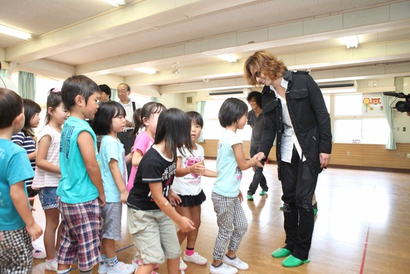YOSHIKI 被災から9年経つ東日本大震災に対して義援金1,000万円を寄付