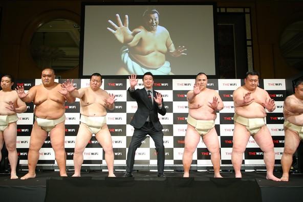 『スゴイ!がつまったモバイルルーター『THE WiFi』メディア発表会』 加藤浩次さん「日本の働き方が変わるかもしれない」