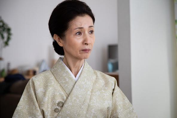 『隕石家族』門倉正子(松原智恵子) (c)東海テレビ