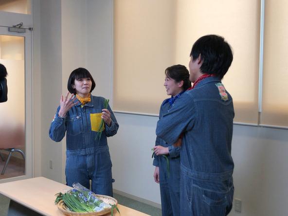 『あぐり王国北海道NEXT』ニラを生で食べたお味は!? (c)HBC