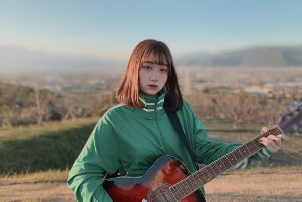 """17歳のシンガーソングライター""""まつり""""がデビュー曲「だーりん。」をリリース (1)"""