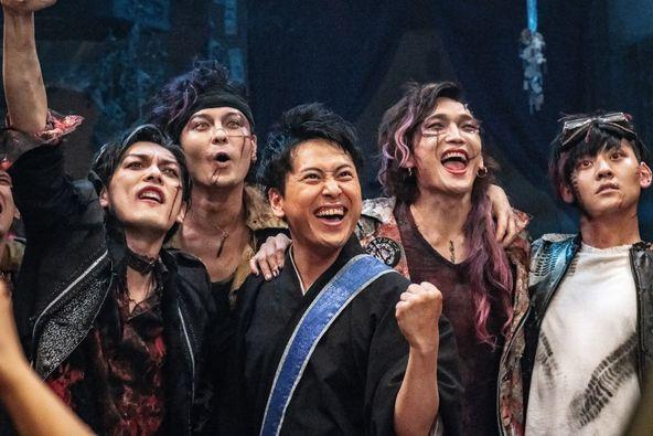 三代目JSB・山下健二郎の主演映画『八王子ゾンビーズ』 封切り延期後の新たな公開日が発表に (C)2020映画「八王子ゾンビーズ」製作委員会
