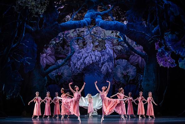 バランシン×パリ・オペラ座の華麗なる世界を~パリ・オペラ座バレエ・シネマ 2020『夏の夜の夢』 (c)© Agathe Poupeney/OnP