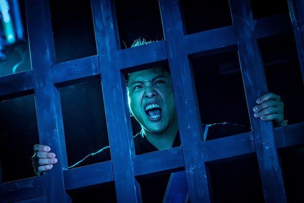 三代目JSB山下健二郎が叫ぶ!久保田悠来、藤田玲らゾンビが踊り、喜び、キメる姿も 映画『八王子ゾンビーズ』場面写真を一挙解禁 (C)2020映画「八王子ゾンビーズ」製作委員会