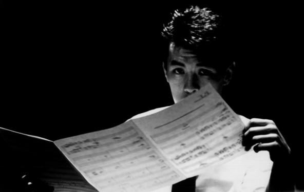 松田聖子「SWEET MEMORIES」等、数々のヒット曲・名曲を手掛けた伝説の編曲家・大村雅朗を描いた特別番組が、大村氏の命日の前日6月28日にオンエア。 (1)