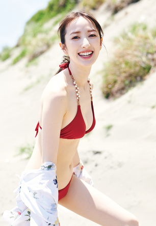 日テレ「ZIP!」で活躍した團遥香が笑顔&水着姿で魅了! 『週プレ』表紙・巻頭グラビア・付録DVDに登場