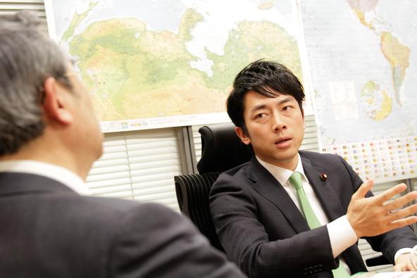 """エコバッグ推進の小泉進次郎が初告白!「お前なんか大嫌いだ!」と罵倒された彼が言い返した意外な言葉とは? 16人の総理大臣を支えた""""日本の番頭役""""が「成功していく人に共通する〇〇〇」を明かした金言の書!"""