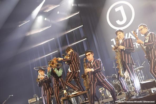 J-WAVE LIVE、初のオンエア開催終了!アジカン、KREVA、SIRUP、SKY-HI、スガ シカオ、スカパラ、秦 基博、ハナレグミを迎えた最新ライブレポ―ト到着!8月13日から映像配信も  (1)