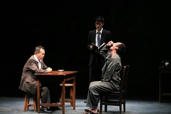 ACM劇場プロデュース『斜交』~昭和40年のクロスロード~(2017年)撮影:刑部アツシ