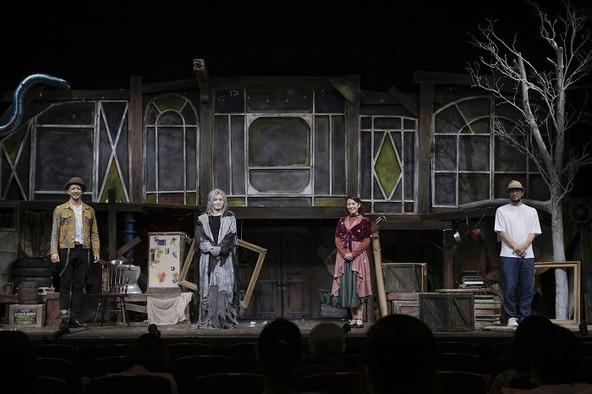 (左から)金子昇、浜中文一、瀬戸カトリーヌ、ウォーリー木下