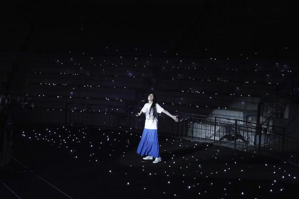 夏の約束を果たすために「今の」茅原実里の歌が富士の森に響く 『Minori Chihara 12th Summer Live SUMMER CHAMPION 2020』レポート (c)撮影:草刈雅之