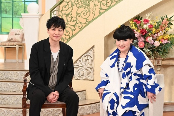 (左から)生田斗真、黒柳徹子