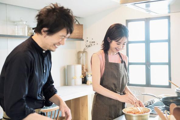 高垣麗子×コウケンテツの料理特集は必読!#STAY KITCHENを前向きにする『STORY』9月号発売