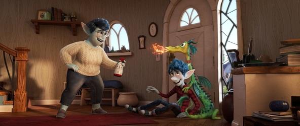ディズニー&ピクサー映画『2分の1の魔法』 (C)2020 Disney/Pixar. All Rights Reserved.