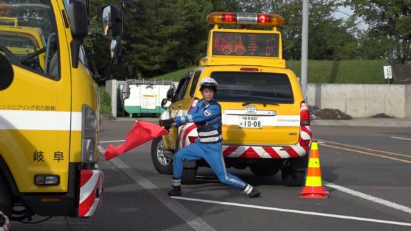 道路上の落下物の回収、故障車両の誘導…24時間体制で高速道路の安全を守る「ハイウェイ・パトロール隊」に密着!8/23(日)BACKSTAGE(バックステージ) (1)