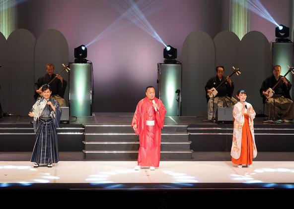 細川たかしが芸道45周年記念コンサート。杜このみ、彩青と「チーム細川」でスペシャル歌謡ステージを披露 (1)