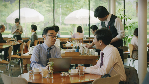 さとふる、カフェを舞台とした「東京03」の新テレビCMを9月12日より放映