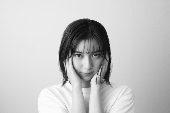 adieu(上白石萌歌) 、ソニーのフルサイズミラーレス一眼カメラα7Cとのタイアップ・コラボレーションを発表!! (1)
