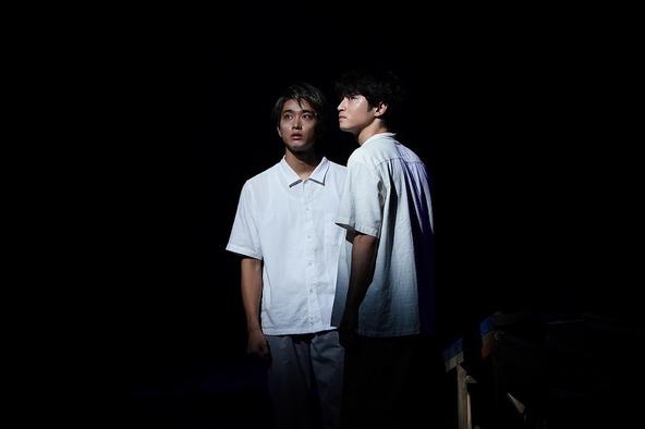 (左から) 佐藤寛太 、木村達成 (c)撮影:中村彰