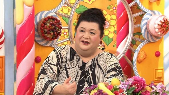 『マツコの知らない世界』美脚の世界を知るマツコ・デラックス (c)TBS