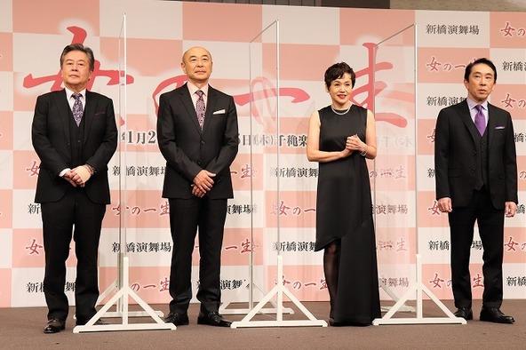 (左から)風間杜夫、高橋克実、大竹しのぶ、段田安則