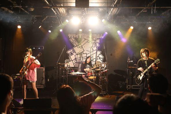 """『ヤバイTシャツ屋さん """"You need the Tank-top"""" TOUR 2020-2021』秋田 Club SWINDLE (c)ユニバーサルシグマ提供"""