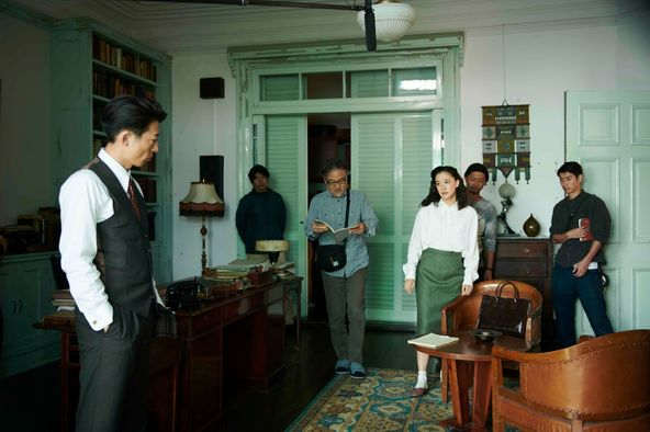 蒼井優が高橋一生とぶつかりあい、涙を流すシーンも 映画『スパイの妻』メイキング映像&現場スチール写真を解禁 (C)2020 NHK, NEP, Incline, C&I