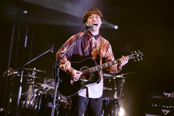 高橋優、最新アルバム収録曲や代表曲・ヒット曲など圧巻のパフォーマンスで披露した無観客生配信ライブを開催!