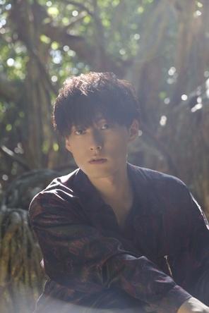 人気声優・増田俊樹が30歳を記念し、ファン待望の写真集を発売! 屋久島を舞台に、等身大で自然体な魅力を収めた集大成が今ここに (1)