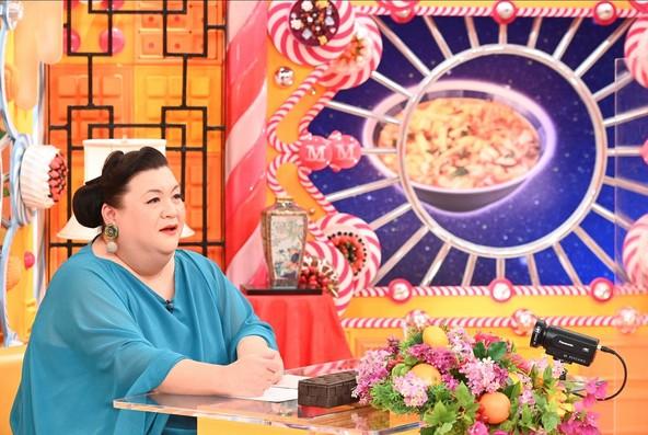 『マツコの知らない世界』「サンラータン麺の世界」を味わうマツコ・デラックス (c)TBS