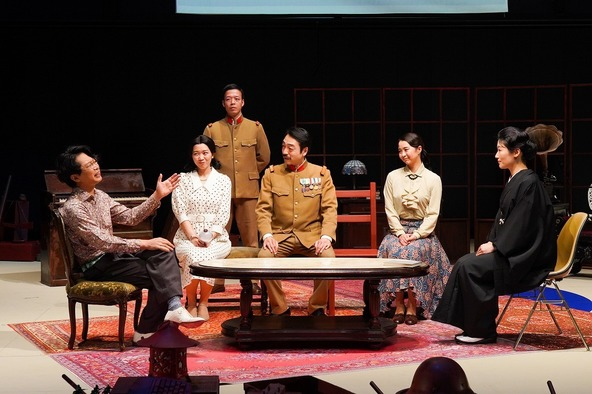 『外地の三人姉妹』 (c)撮影:宮川舞子