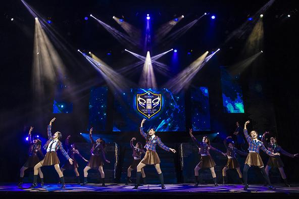 舞台『少女☆歌劇 レヴュースタァライト -The LIVE 青嵐- BLUE GLITTER』より (C)Project Revue Starlight