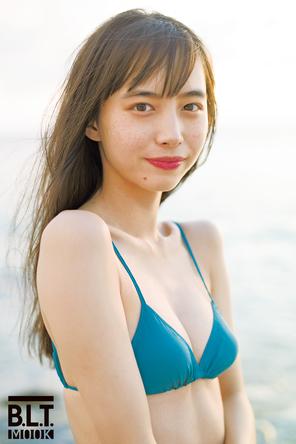 井桁弘恵、初のカレンダーが発売決定!「1年間飽きないように、さまざまな表情やシチュエーションの私をお届けできればと思います」 (1)