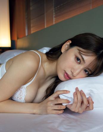『週刊プレイボーイ5号』「妄想カレンダー」雪平莉佐(2) (c)小塚毅之/週刊プレイボーイ