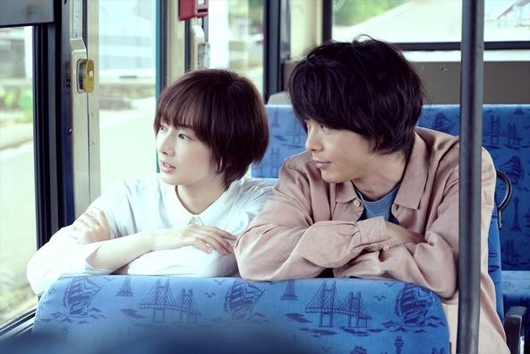 """北川景子と中村倫也のふたりで描きだす""""閉じ込めた愛の記憶"""" Uruによる挿入歌「無機質」を使用した映画『ファーストラヴ』本編映像を解禁 (C)2021『ファーストラヴ』製作委員会"""