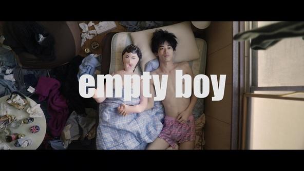 """夜の本気ダンス、新ミニアルバム『PHYSICAL』より""""空っぽ""""な男を描いた「empty boy」のミュージックビデオを公開"""