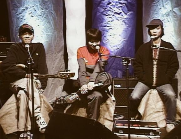 3月1週目のアンコールアワーはフィッシュマンズ特集!98年放送の「SOUND&VISION」を放送!ルチャ・リブレ観戦ロケやスタジオライブなど、盛り沢山かつ大変貴重な内容です。お見逃しなく!! (1)