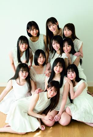 『週刊プレイボーイ13号』「Always by my side.」=LOVE(イコールラブ) (c)YOROKOBI/週刊プレイボーイ