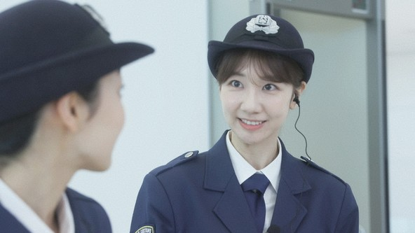 『THE突破ファイル』「空港税関」柏木由紀(AKB48) (c)NTV