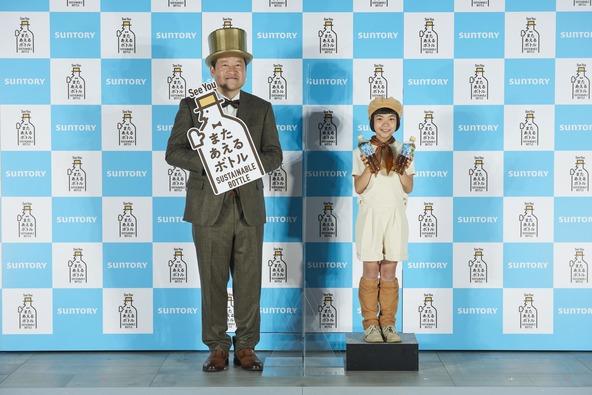 佐藤二朗「やっぱり生まれ変わっても俳優になりたい!」自由奔放なムギちゃんに振り回されてタジタジ…! (1)