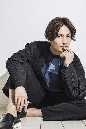 加藤和樹が感謝の気持ちを込めて……アーティストデビュー15周年を記念し、自身のすべてを詰め込んだフォトブックが発売決定!! (1)