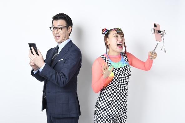 加藤浩次、独立後初のCMが決定!ライブ配信アプリ「ミクチャ」新CMに加藤浩次とフワちゃんが出演!!撮影現場ではフワちゃんが加藤浩次の誕生日をケーキで祝福 (1)