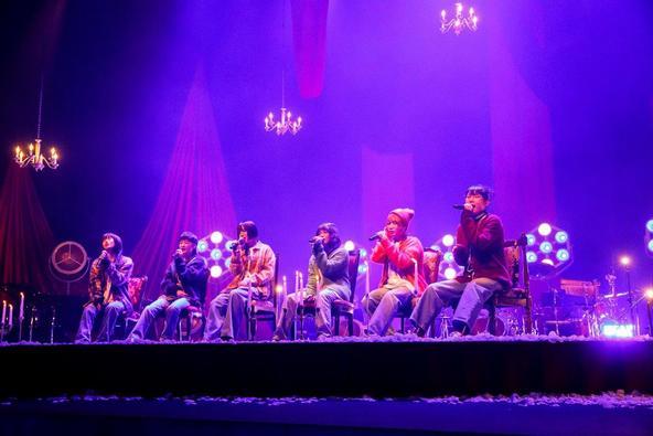 BiSH、代表曲やニルヴァーナへのオマージュも!MTV伝統のアコースティックライブに登場「MTV Unplugged: BiSH」