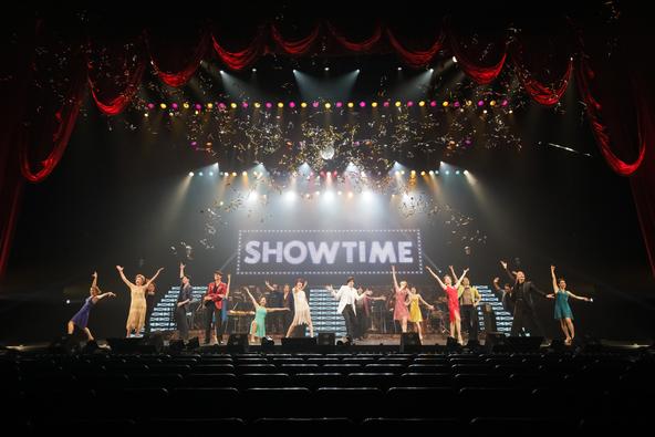 米倉涼子と城田優の共同プロデュース公演「SHOWTIME」開幕!キャストがフルスロットルで踊り歌う至福の120分間に