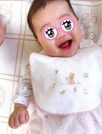 平野ノラが公開した、生後4ヶ月を迎える愛娘の写真